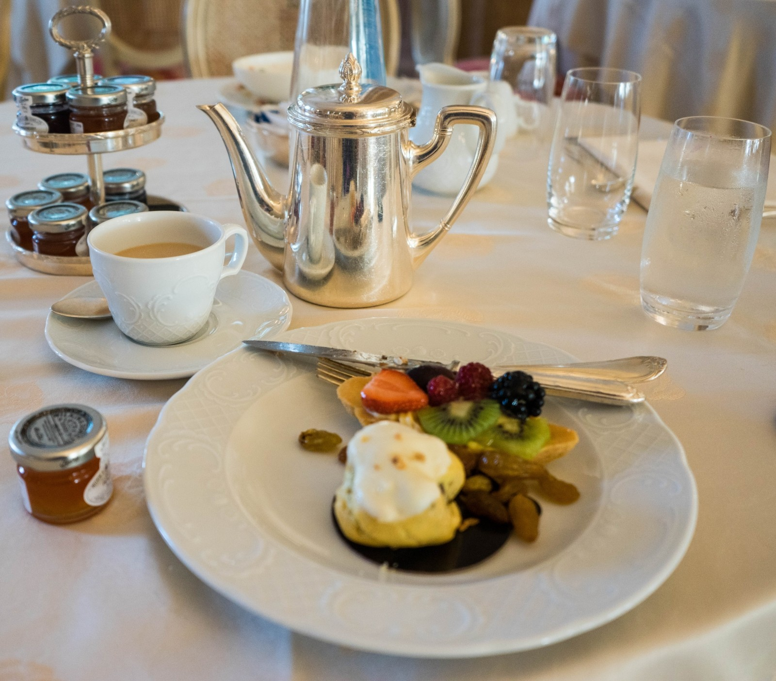 breakfast-luxury-italy-hotel-food-meal-service