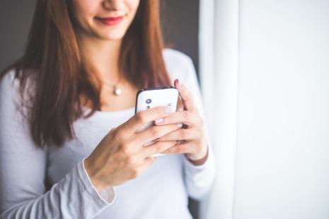 woman-smartphone-girl-technology